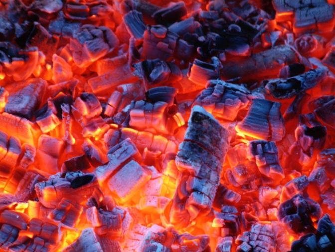 carbones encendidos